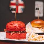 Fireball: O saboroso hambúrguer vermelho do Quintal do Brás, em BH